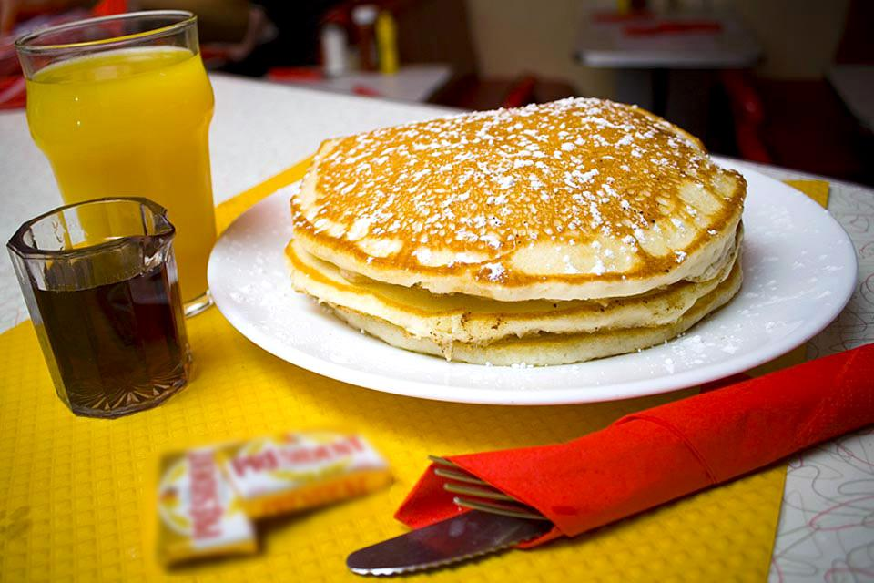 B.I.A. Breakfast in America , I due indirizzi , Francia
