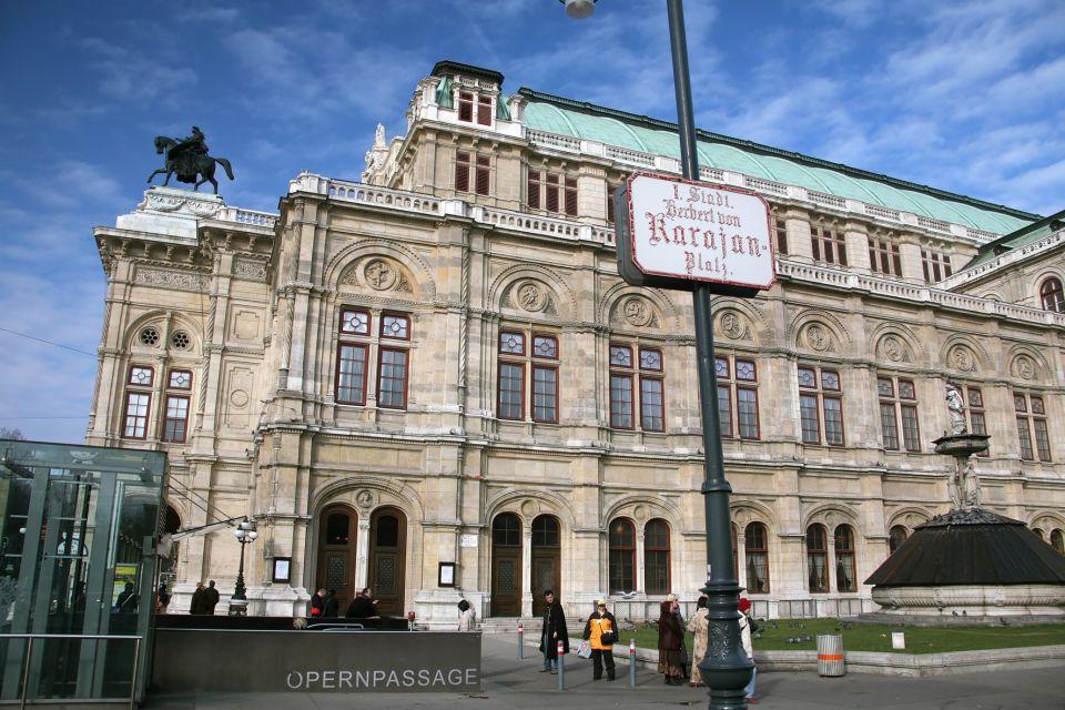 Statues, Vienna State Opera, Arts and culture, Vienna, Austria