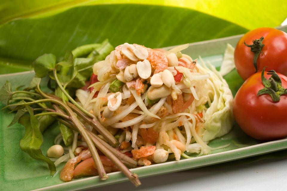 La cuisine thaïe , Chicken and peanut curry , Thailand