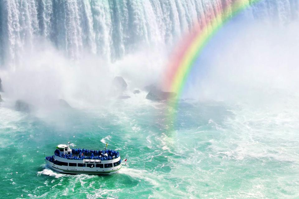 Niagara Falls , Maid of the Mist tours, Niagara Falls , Canada