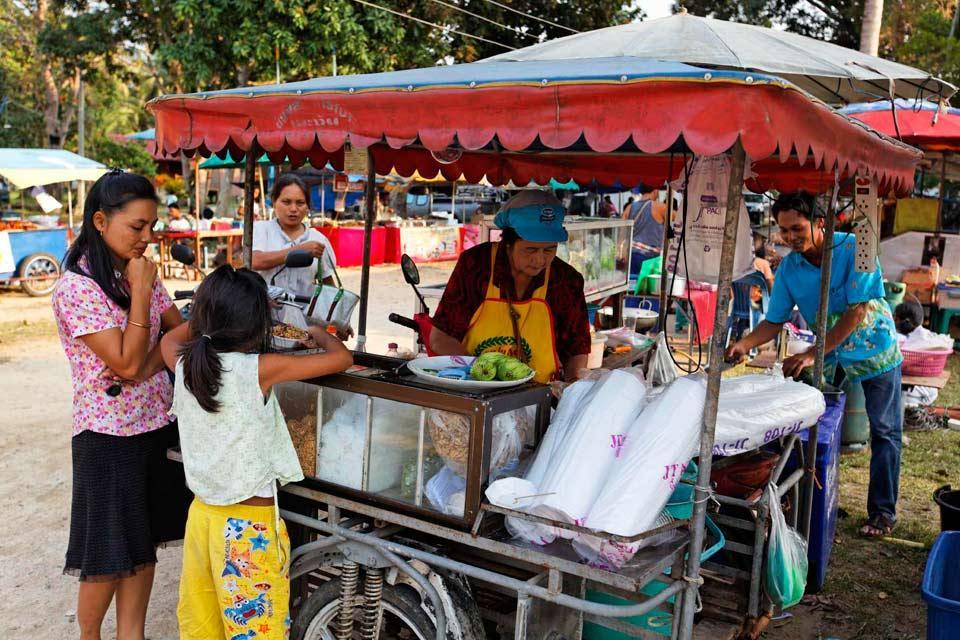 Koh Phangan , The market in Koh Phangan , Thailand