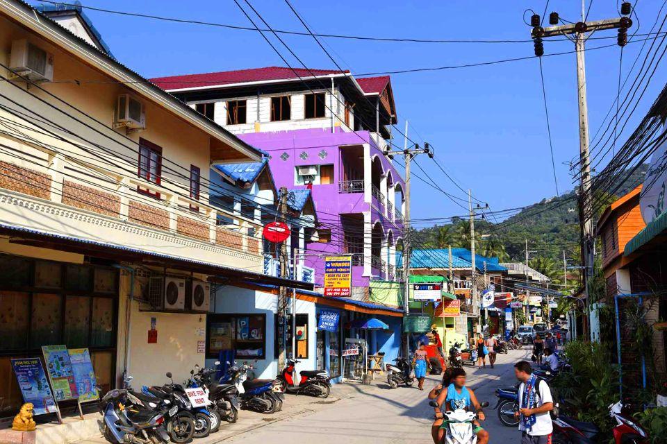 El pueblo de Mae Haad, Koh Tao, Koh Tao, Las costas, Tailandia