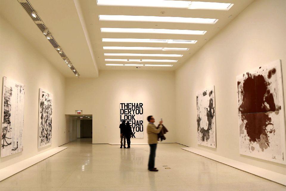 Le musée Solomon R.Guggenheim , De haut en bas , Etats-Unis