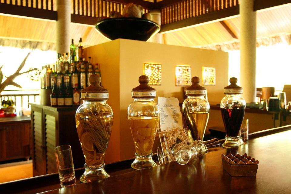 La gastronomía , El ron con hierbas , Las Seychelles