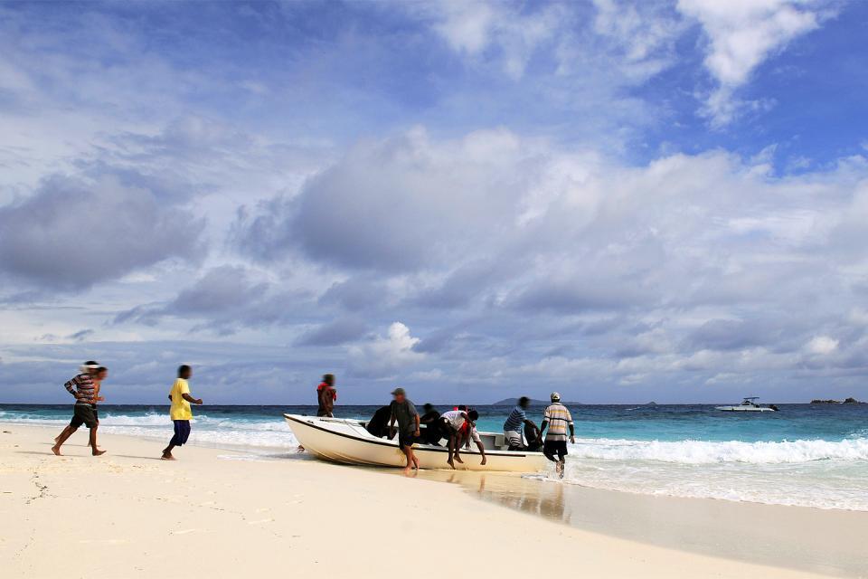 Cousine Island , L'arrivée en barque , émotion garantie ! , Seychelles