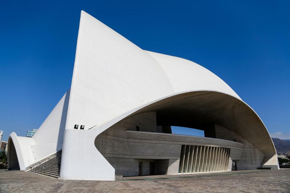 El auditorio de Tenerife , Se parece a la ópera de Sidney , España