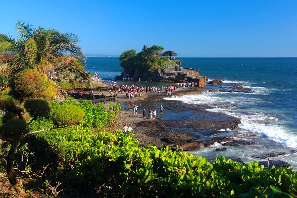 Tanah Lot , Indonesia