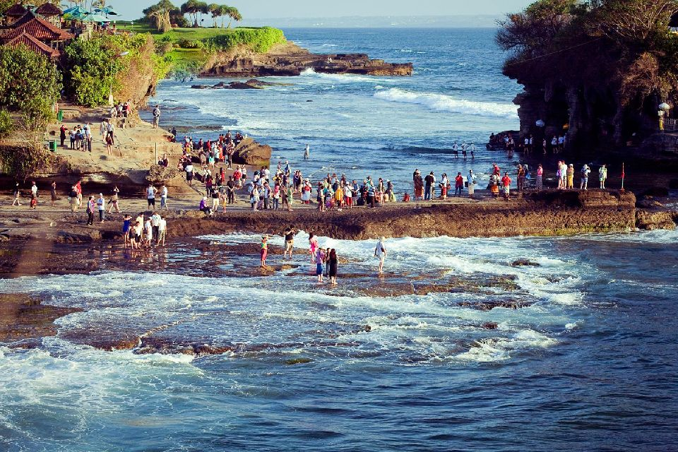 Tanah Lot , Tanah Lot, un lugar sagrado , Indonesia