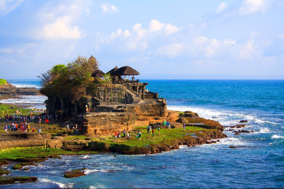 Tanah Lot , Land and sea , Indonesia