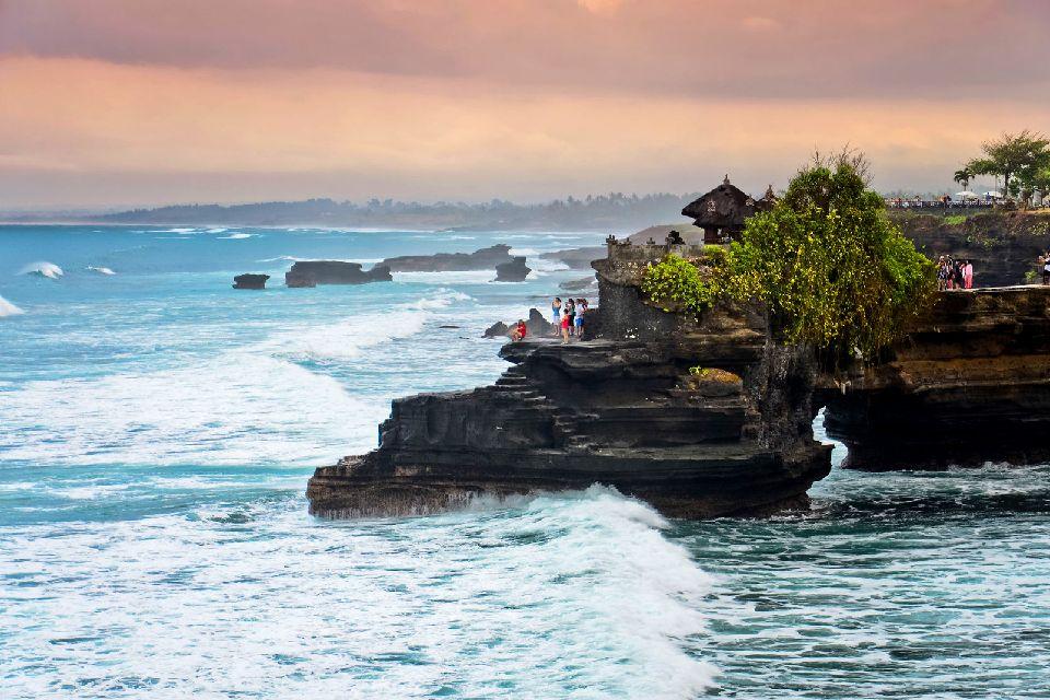Tanah Lot , Tanah Lot e gli altri , Indonesia