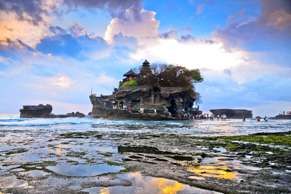 Tanah Lot , An accessible temple , Indonesia