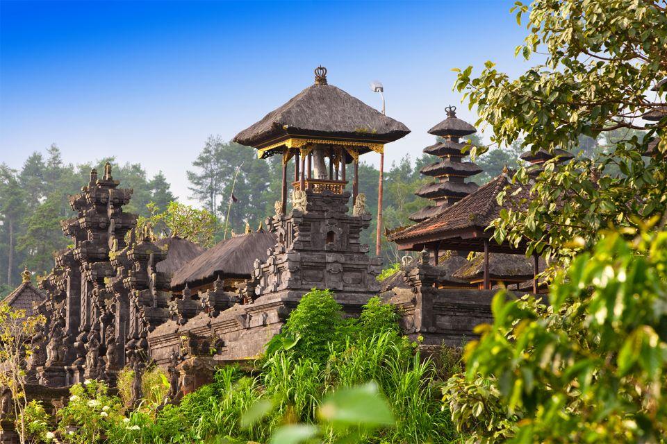 Besakih , Besakih, the miracle temple , Indonesia