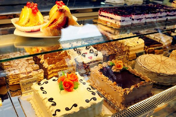 A rich and varied cuisine , Belgrade's delicious pastries , Serbia
