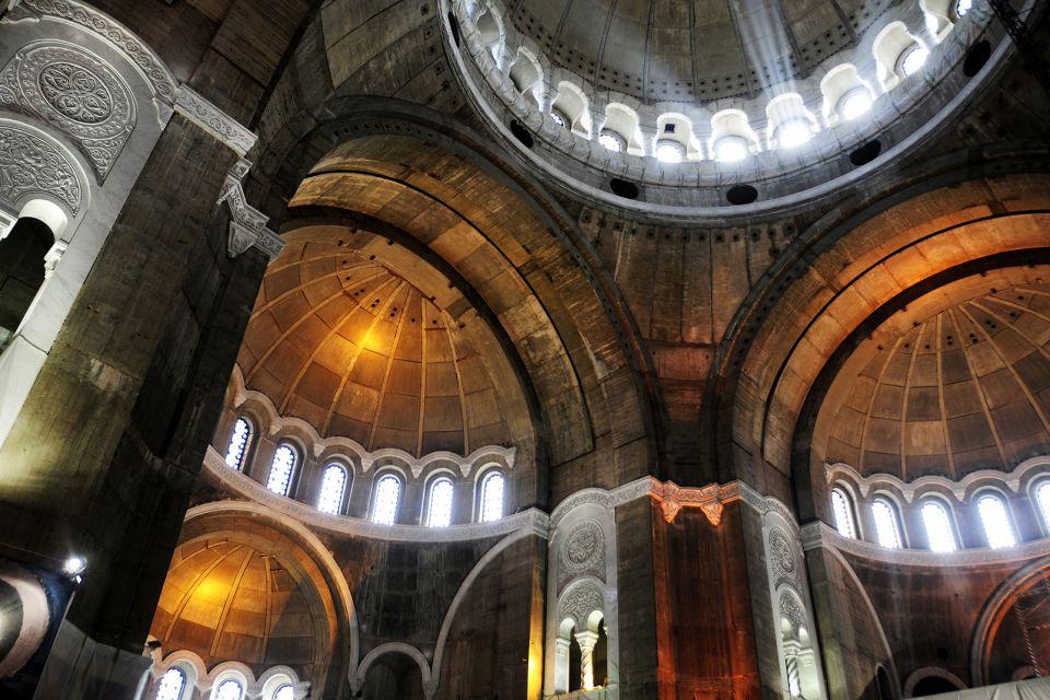 La seconda chiesa ortodossa al mondo, Il tempio di Santo-Sava, I monumenti e le passeggiate, Serbia