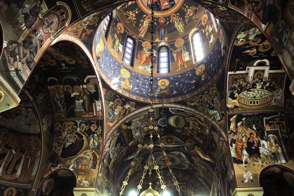 Una meraviglia per gli occhi, Il tempio di Santo-Sava, I monumenti e le passeggiate, Serbia