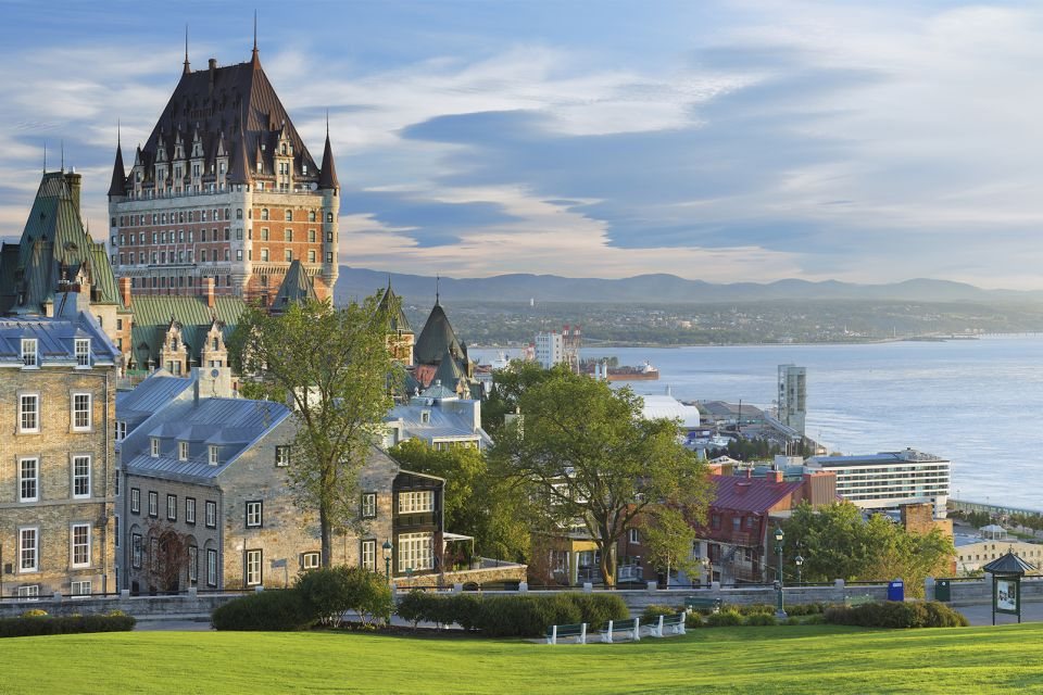 The Saint Lawrence River , The St. Lawrence river in Quebec, Canada , Canada