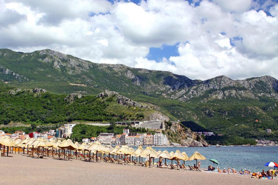 Becici , Der Strand von Budva , Montenegro