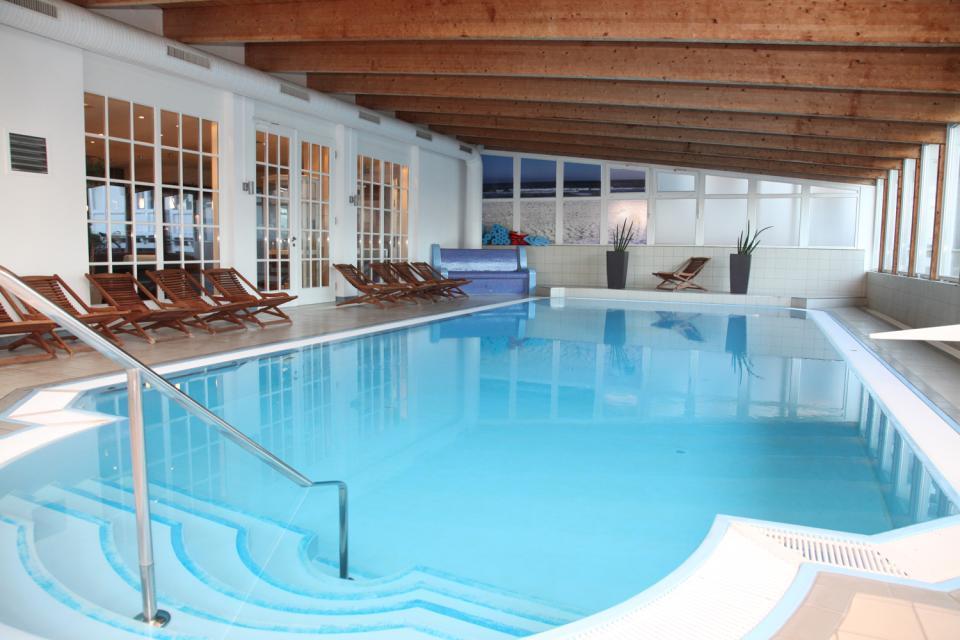 Rügens Kur- und Wellnessangebot , Der Pool des Radisson Blu Resorts auf Rügen , Deutschland