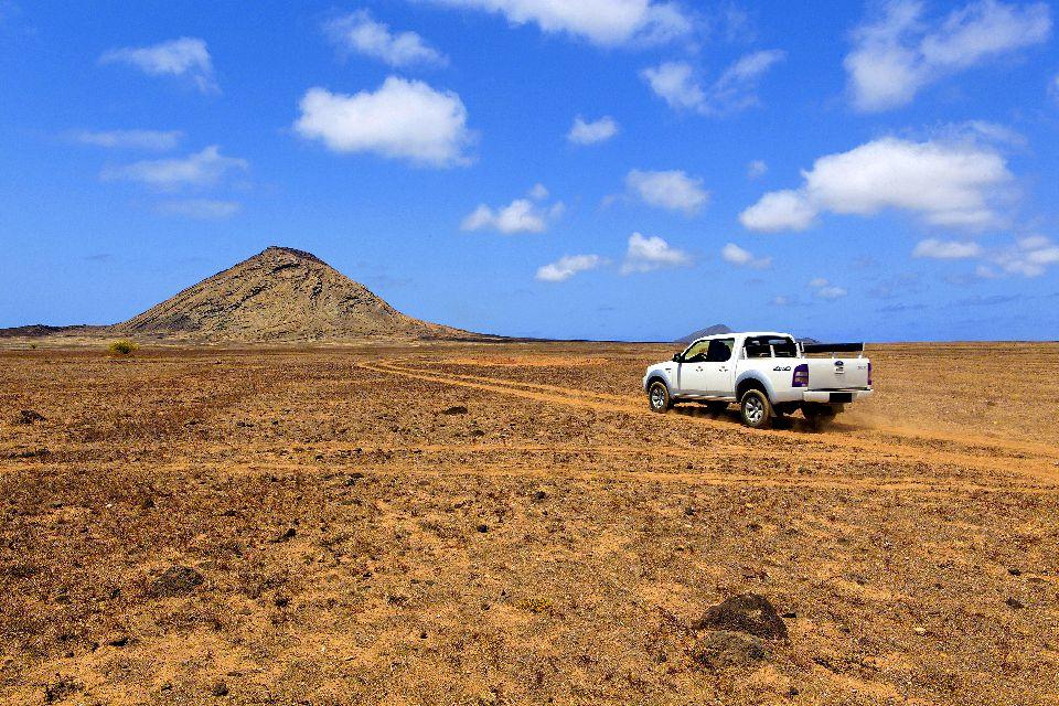 Palmeira und Buracona , Wüste , Kap Verde