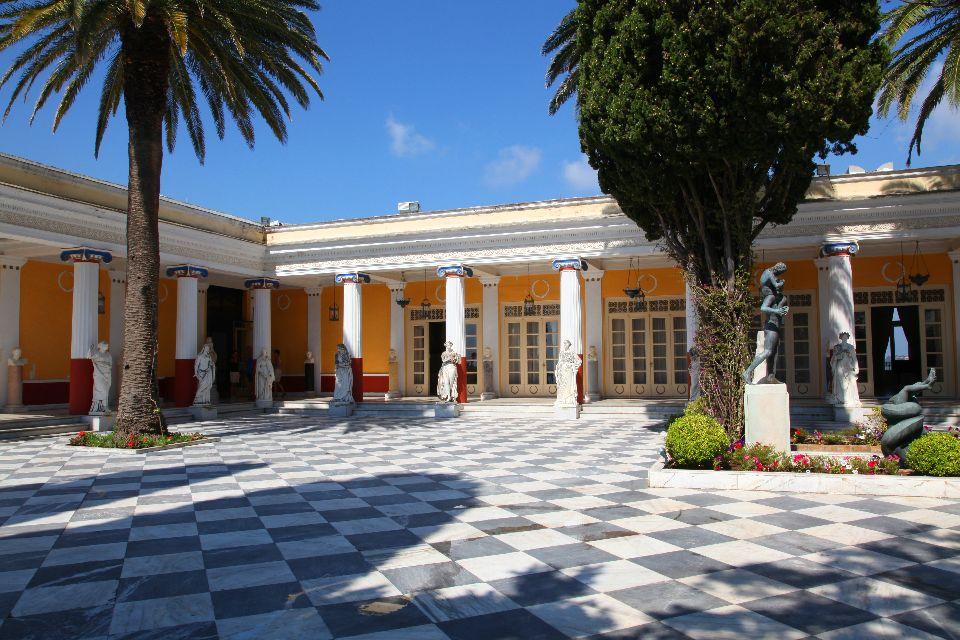 Le palais d'Achilleion à Corfou , Le jardin du palais , Grèce