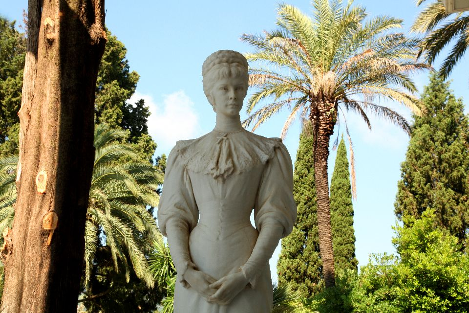 Le palais d'Achilleion à Corfou , La résidence secondaire de Sissi , Grèce