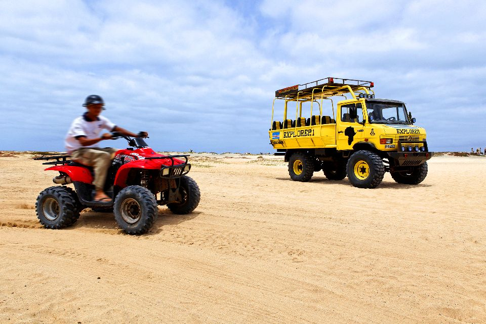 Sports and excursions , An excursion in the dunes , Cape Verde
