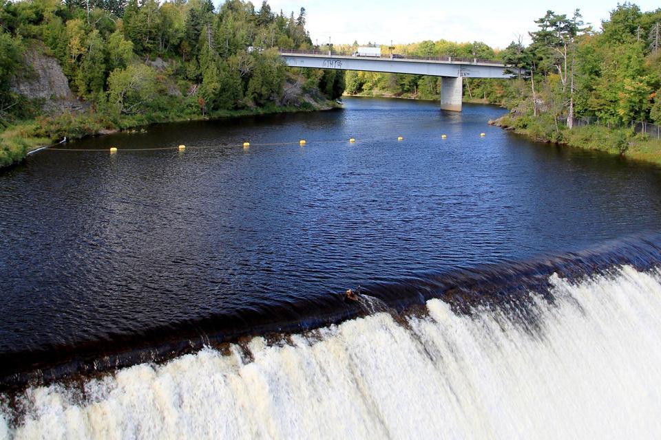 La rivière Montmorency , Les ponts de Montmorency , Canada