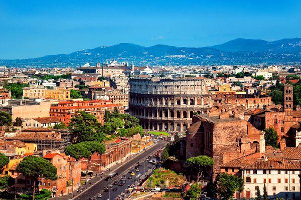 Il Colosseo , Roma , Scorcio particolare del Colosseo , Italia