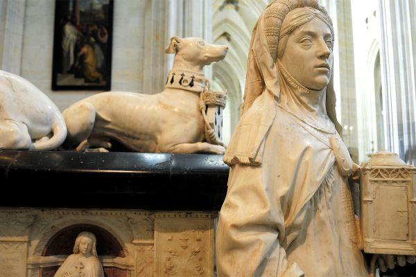Las dos estatuas yacentes de la catedral, Cathédrale Saint-Pierre et Saint-Paul de Nantes, Los monumentos, Nantes, Pais del Loira