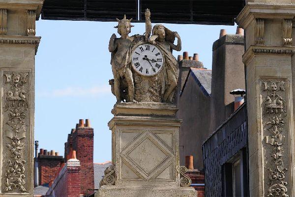 Le Passage Pommeraye à Nantes , El reloj del Pasaje Pommeraye , Francia