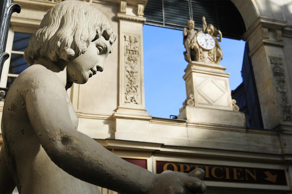 Le Passage Pommeraye à Nantes , Las estatuas del pasaje Pommeraye , Francia
