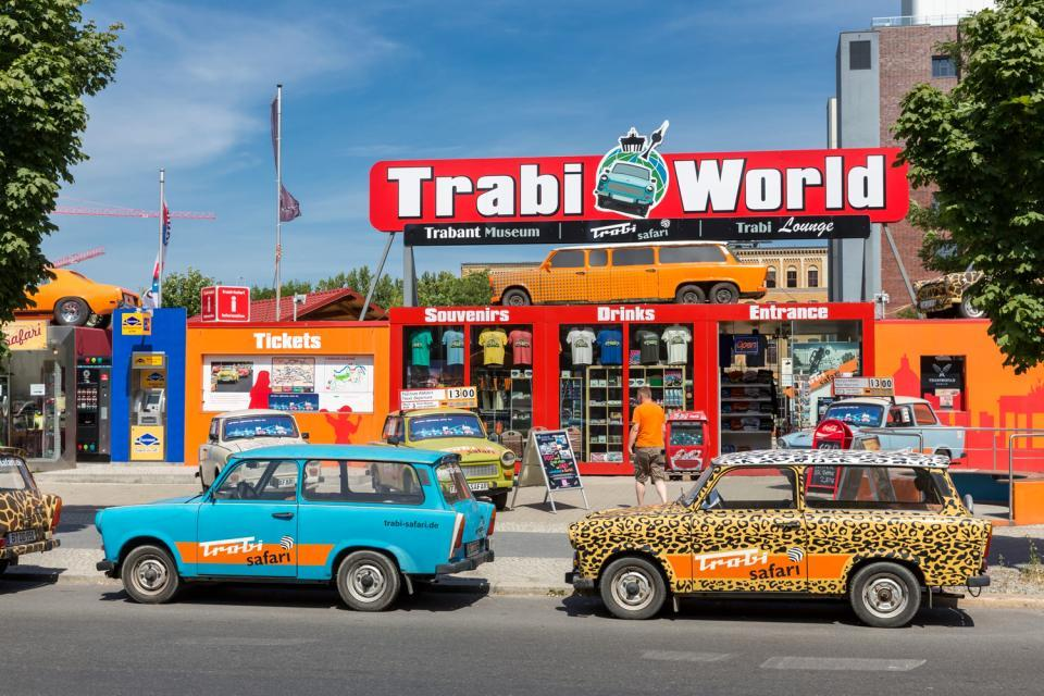 Un tour en Trabant , Touring around Berlin in a Trabant , Germany