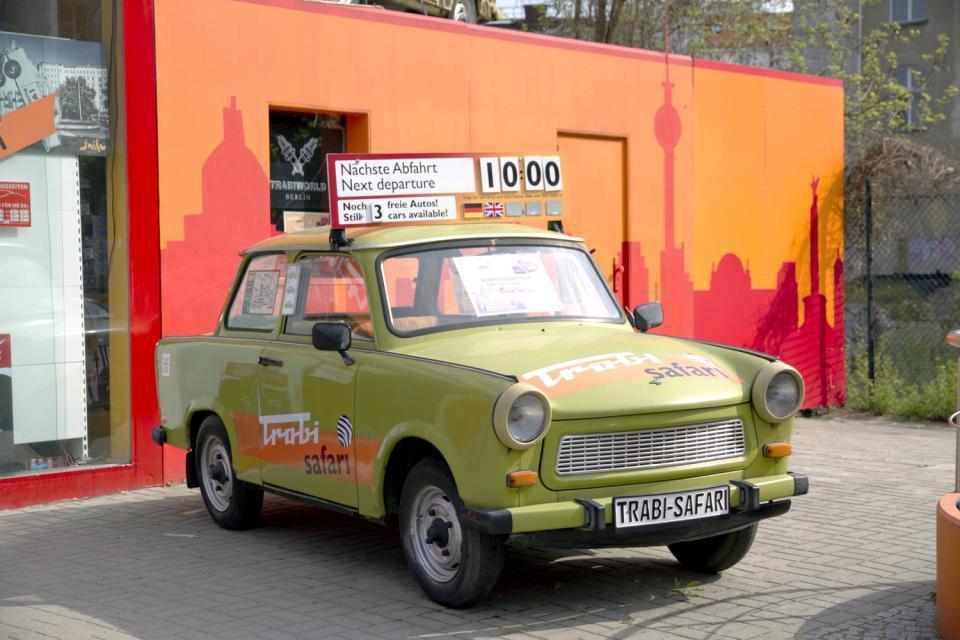 Un tour en Trabant , An excursion in a Trabant , Germany