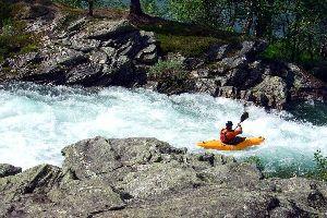 Le canoë-kayak et autres sports d'eau vive , France