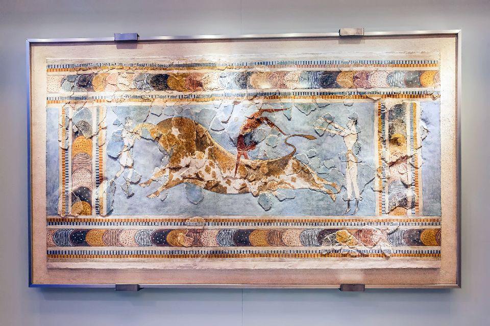 Musée d'Héraklion , La fresque de la <i>Taurokhathapsie</i> , Grèce