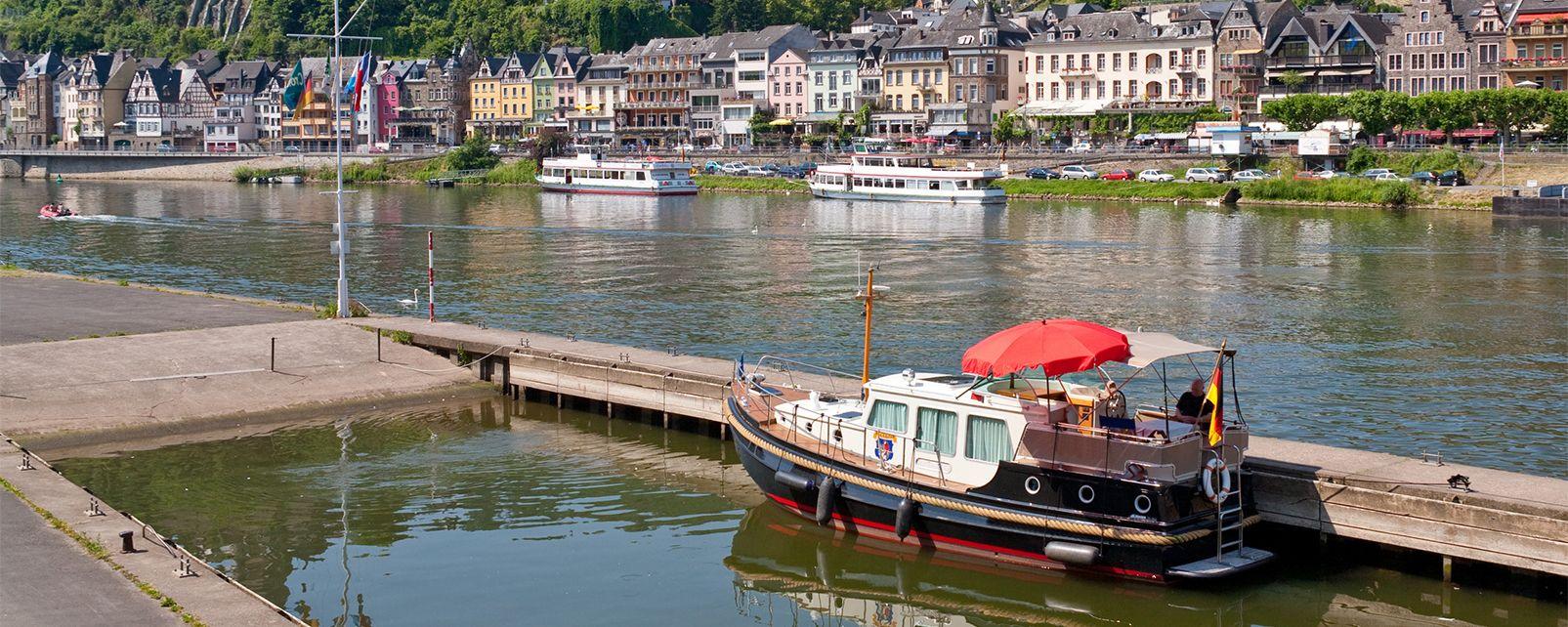 Balade sur l'eau dans la Meuse , France