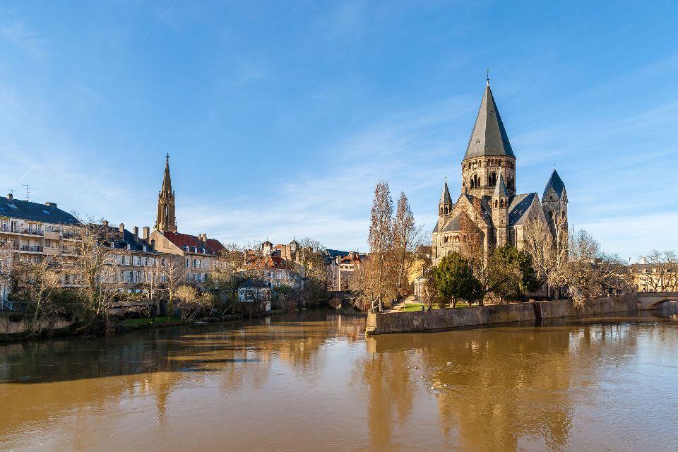 Balade sur l'eau dans la Meuse , Francia
