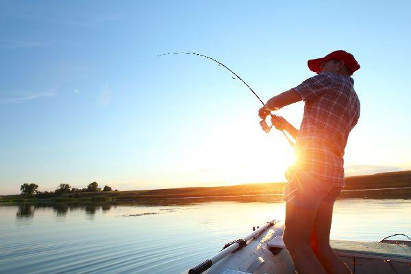 La pêche dans la Meuse , France