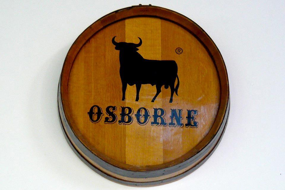 La bodega d'Osborne à Puerto de Santa Marta , Le fameux taureau Osborne , Espagne