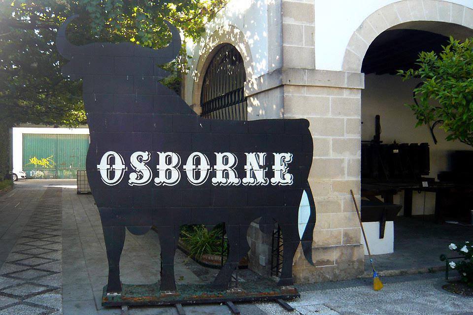 La bodega d'Osborne à Puerto de Santa Marta , Une affiche familière , Espagne