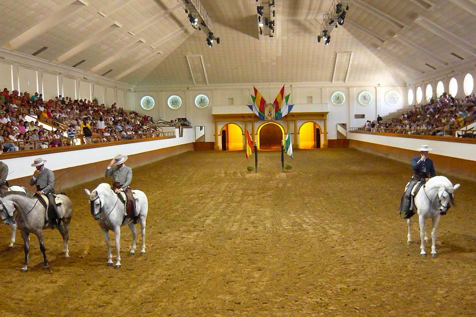 L'École royale andalouse d'art équestre , La salle de spectacle , Espagne