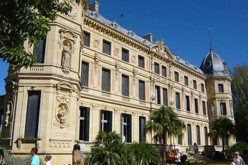 L'École royale andalouse d'art équestre , Un superbe bâtiment , Espagne