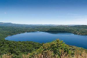 El lago de Sanabria , Espagne