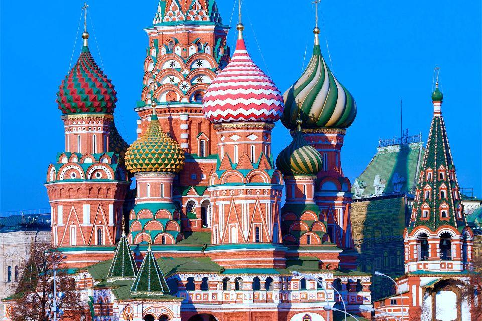 La basilique saint basile le bienheureux moscou et le for Architecture russe