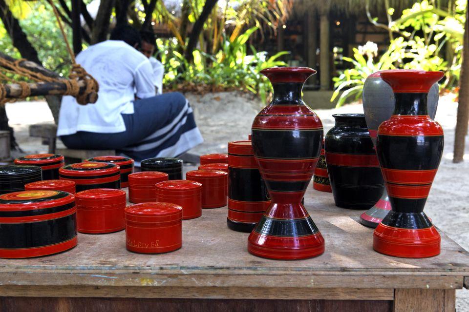 La lacca, un artigianato per niente locale, L'artisanat, Le arti e la cultura, Maldive