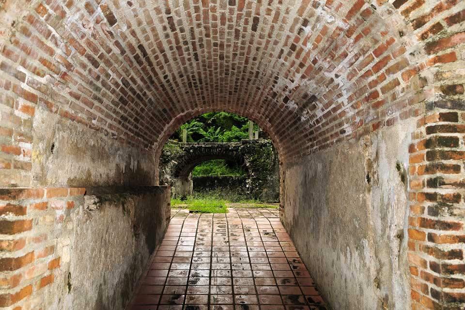 l'ancienne sucrerie de Boca de Nigua , Tunnel de la sucrerie , République dominicaine