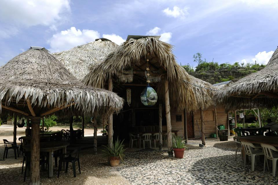 La plage de Bahia de las Aguilas , Rancho Tipico , République dominicaine