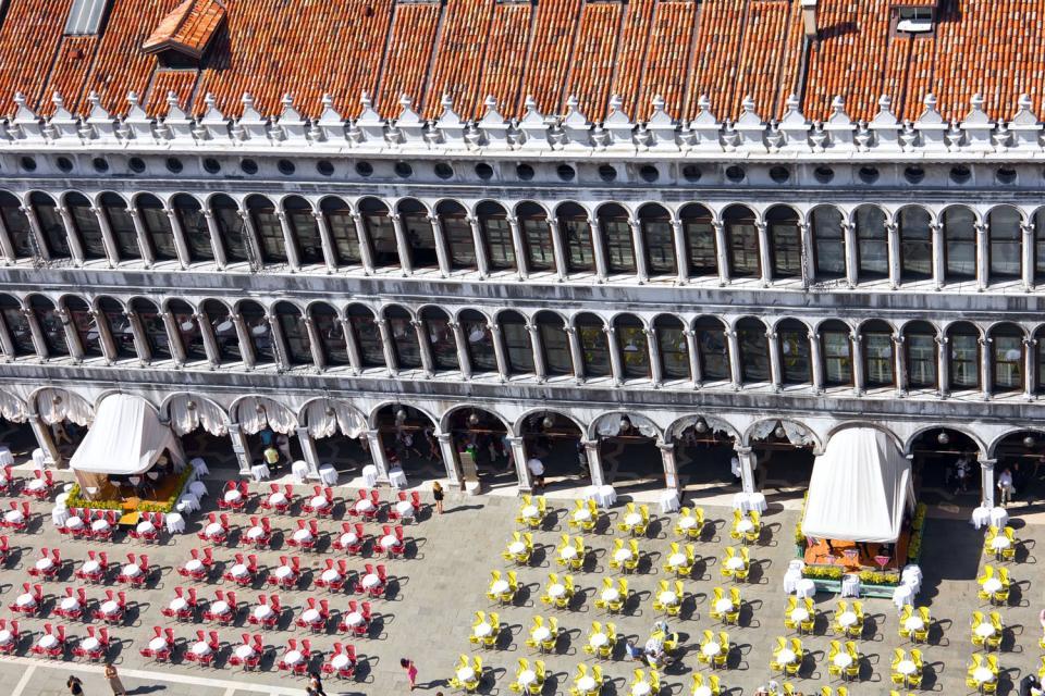 La place Saint-Marc , En terrasse sur la place Saint-Marc , Italie