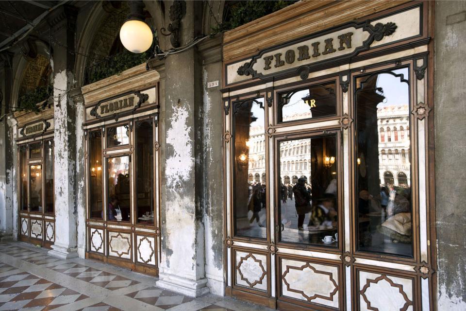 La place Saint-Marc , Le caffé Florian , Italie