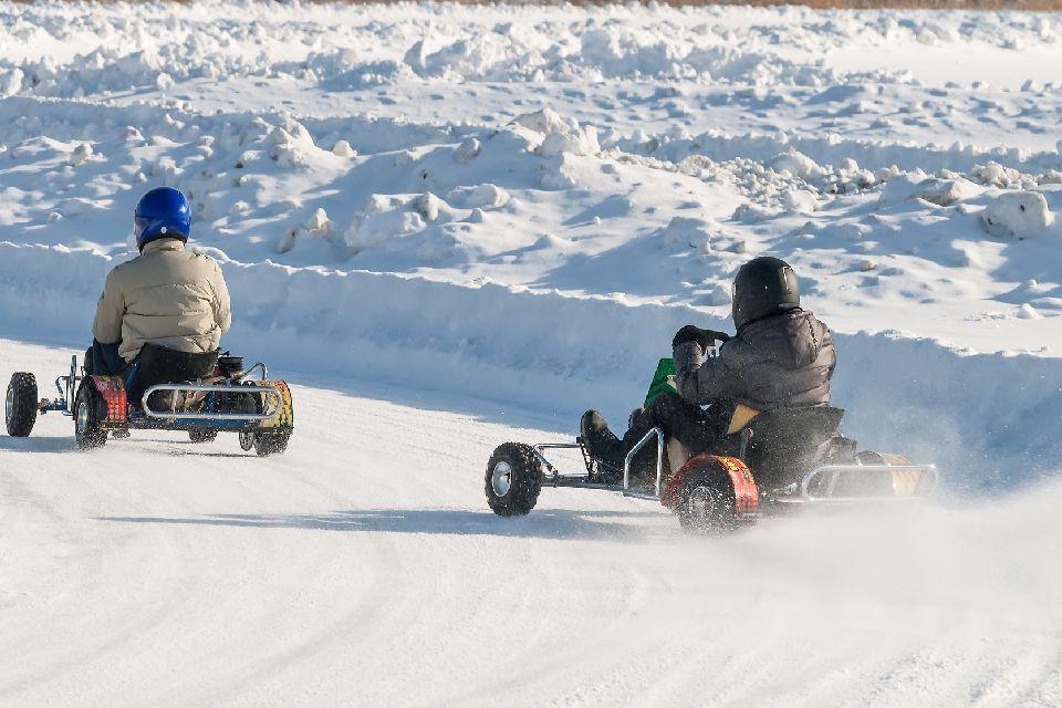 Rallye sur neige , Karting , Finlande